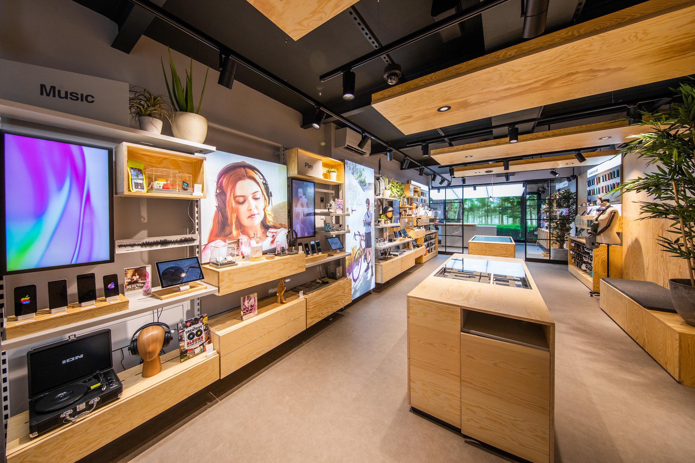 Three Ireland new retail stores